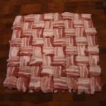 Så här väver du en baconmatta