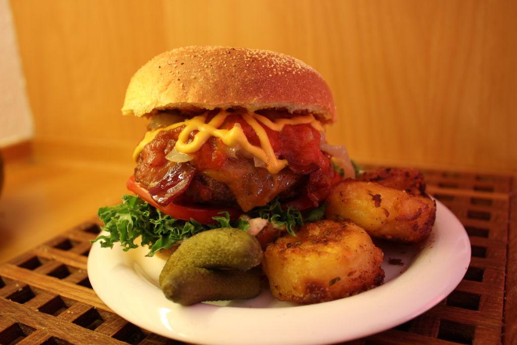 H.O.B.B - Het Ost & Bacon Burgare